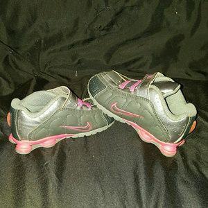 Infant girl nike shoxs size 7
